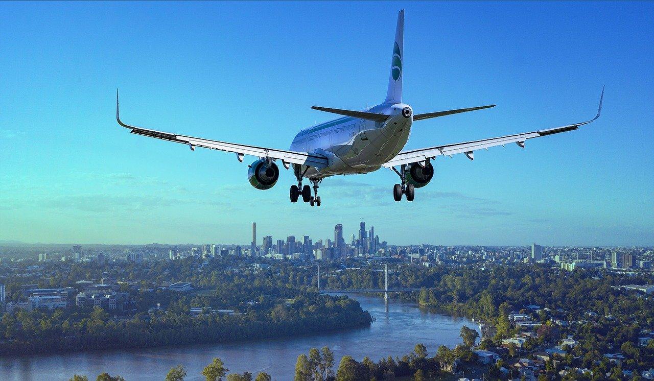 Emissioni degli aerei: ecco le compagnie meno attente all'ambiente