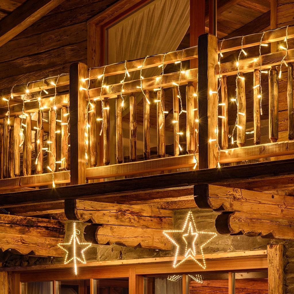 Come mettere le luci di Natale sul balcone: idee
