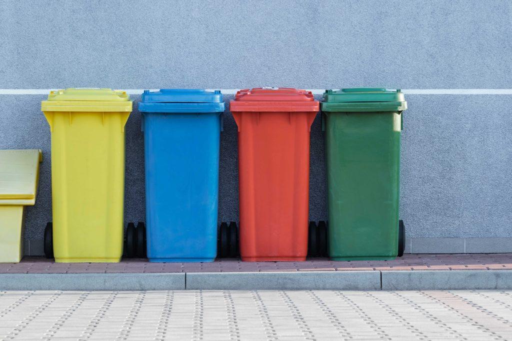 bidoni riciclaggio