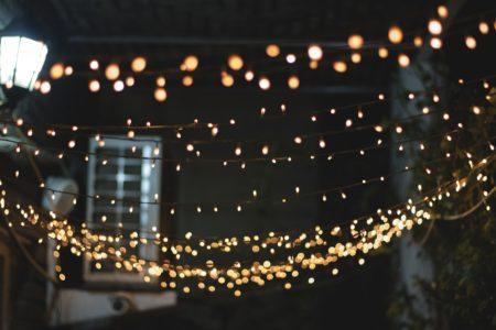 Luci natalizie e sostenibità ambientale: connubbio possibile?