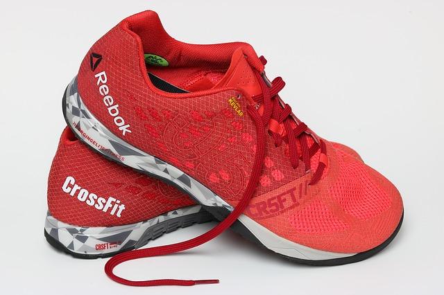 Reebok creerà scarpe in poliestere free entro il 2024