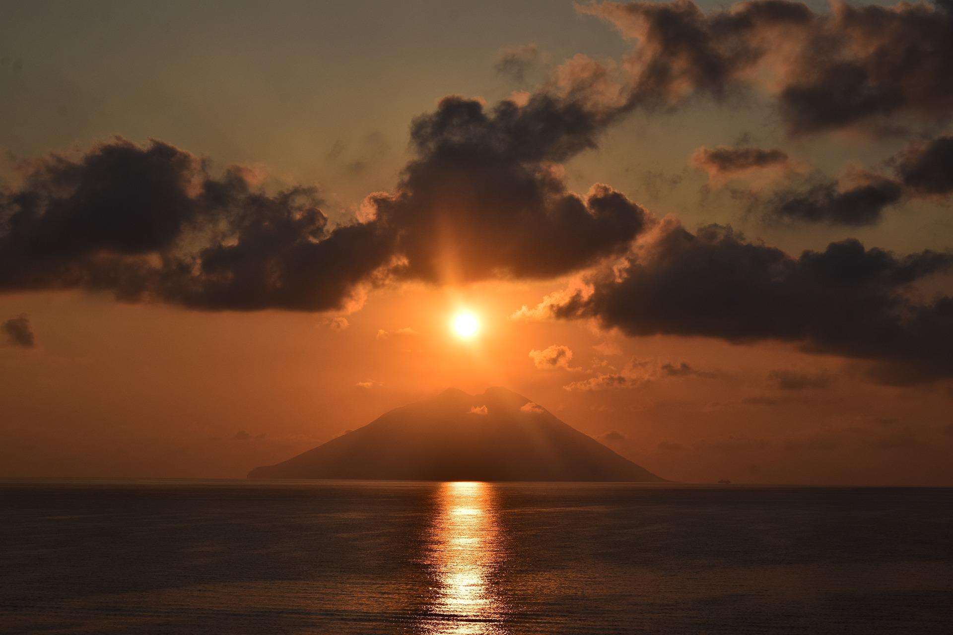 Cosa sappiamo in merito all'attività del vulcano Stromboli?